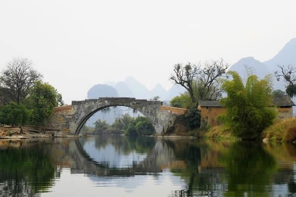 想起故乡的小石桥